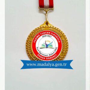 örnek öğrenci madalyası